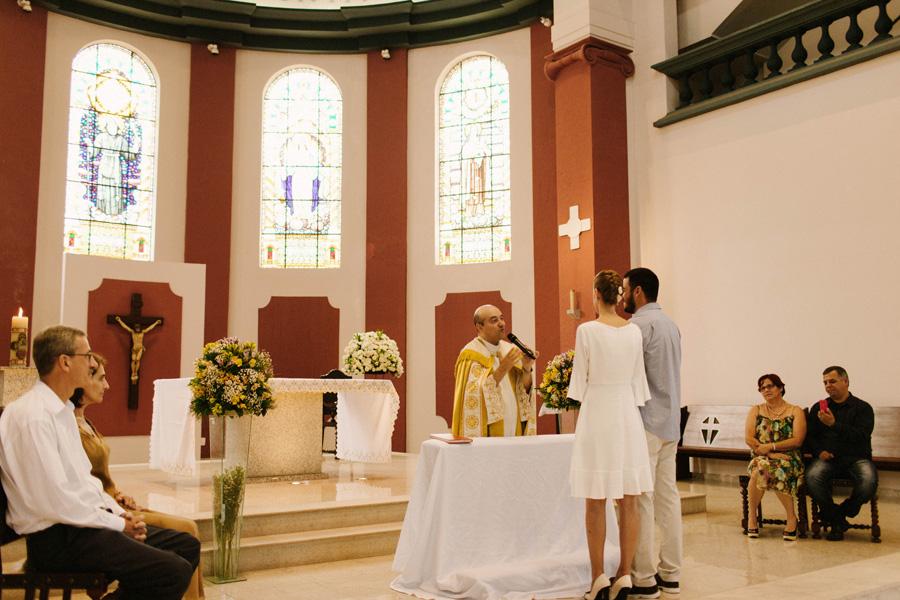casamento-curitiba-camile-felipe-igreja (166)