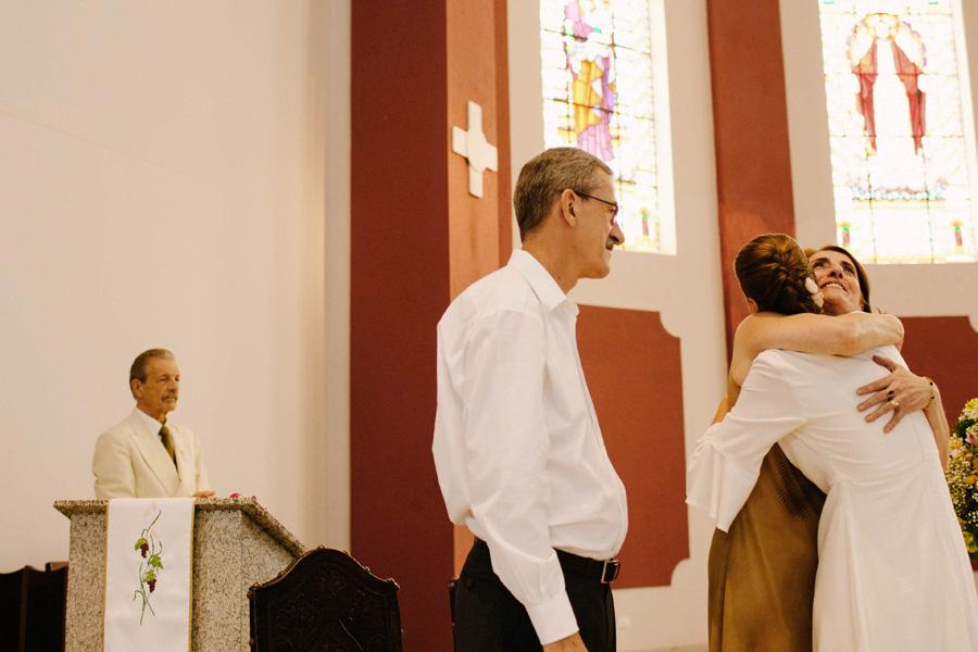 casamento-curitiba-camile-felipe-igreja (212)