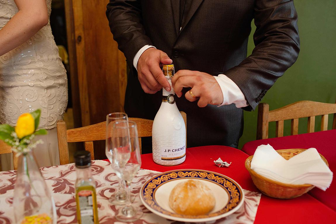 mariana-alves-fotografia-casamento-civil-curitiba-restaurante-pasargada-fabi-andre (190)