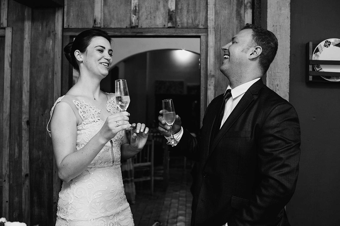 mariana-alves-fotografia-casamento-civil-curitiba-restaurante-pasargada-fabi-andre (193)