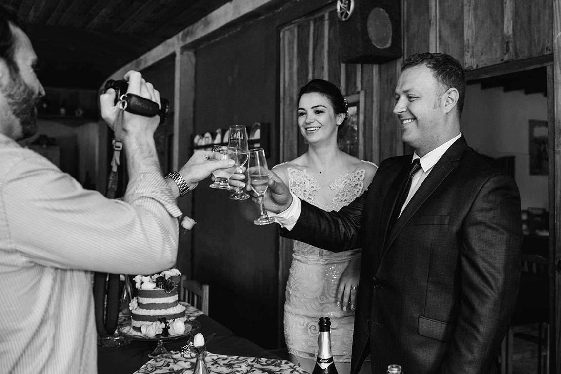 mariana-alves-fotografia-casamento-civil-curitiba-restaurante-pasargada-fabi-andre (226)