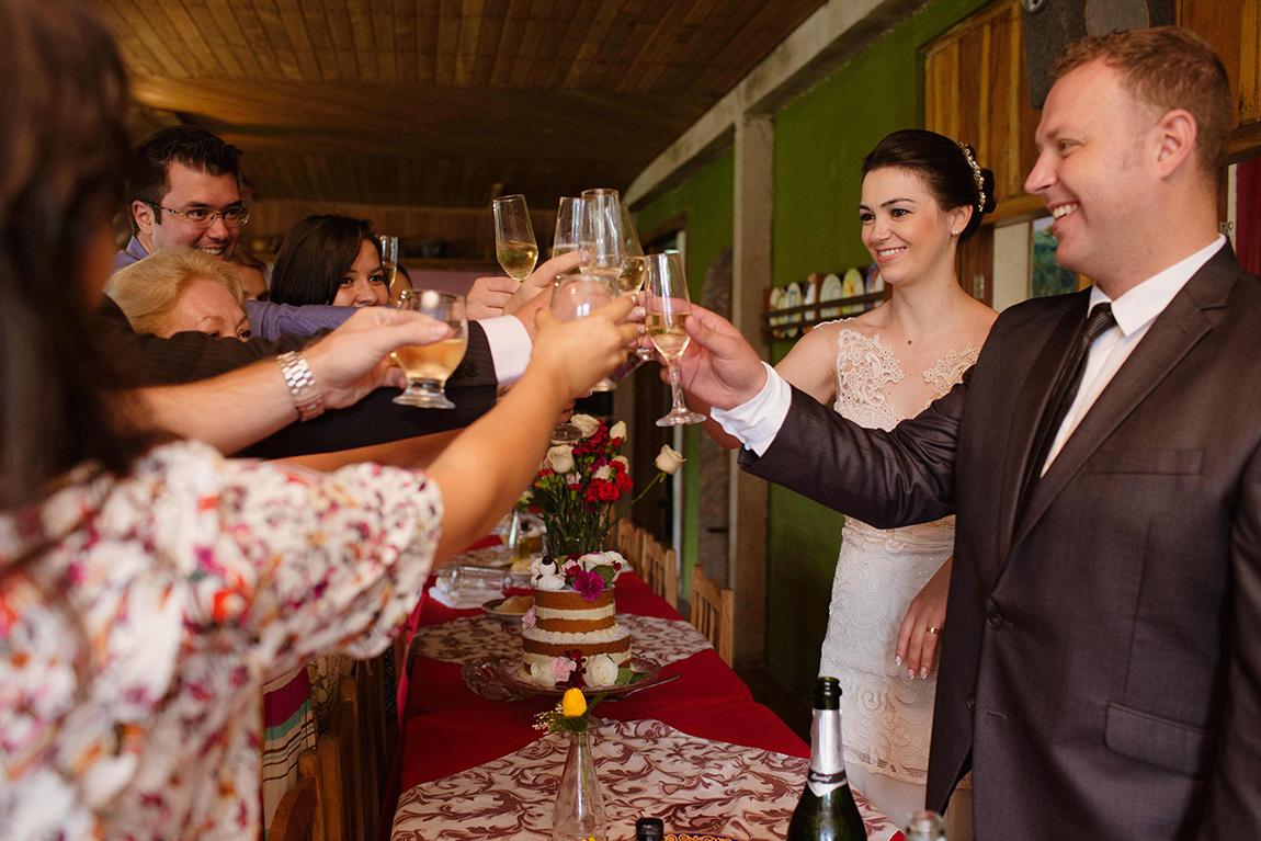 mariana-alves-fotografia-casamento-civil-curitiba-restaurante-pasargada-fabi-andre (227)