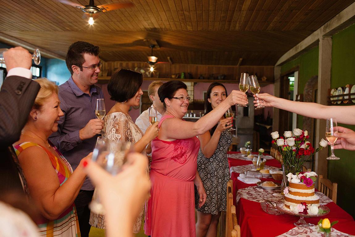 mariana-alves-fotografia-casamento-civil-curitiba-restaurante-pasargada-fabi-andre (230)