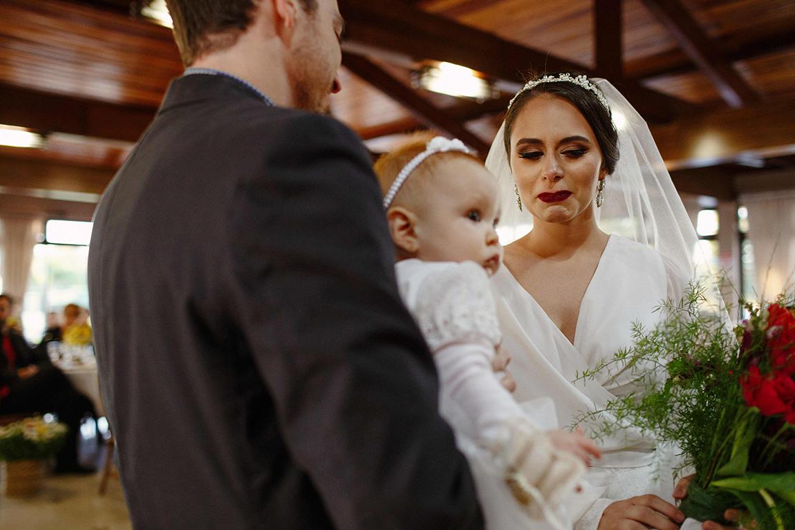 mariana-alves-fotografia-curitiba-casamento-barbara-luis-associacao-juizes (363)