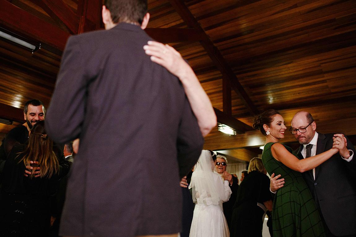 mariana-alves-fotografia-curitiba-casamento-barbara-luis-associacao-juizes (650)
