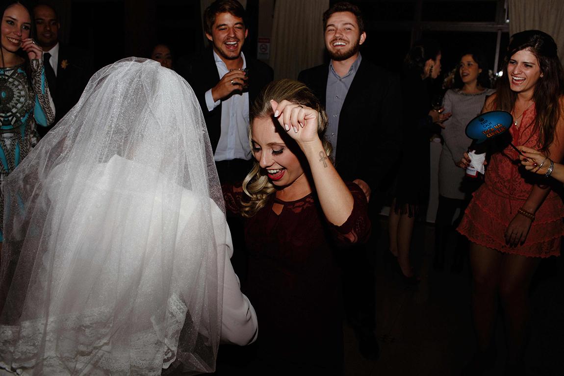 mariana-alves-fotografia-curitiba-casamento-barbara-luis-associacao-juizes (676)