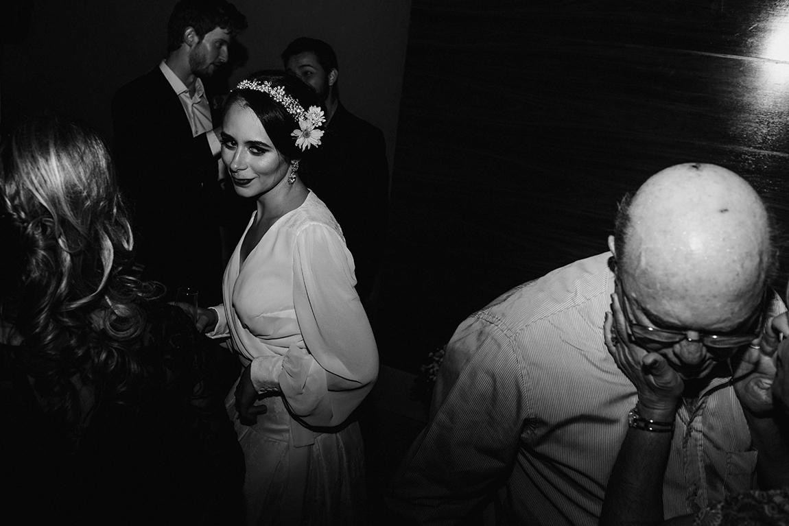 mariana-alves-fotografia-curitiba-casamento-barbara-luis-associacao-juizes (701)
