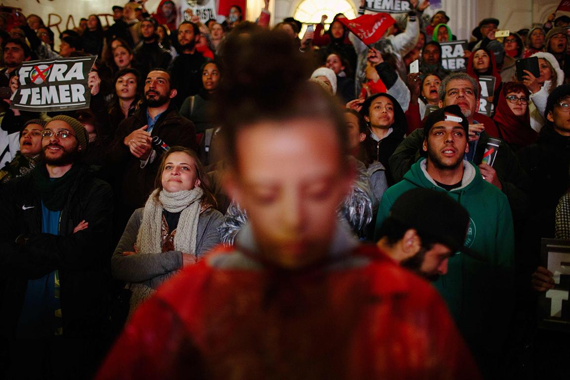mariana-alves-fotografia-curitiba-dilma-circo-da-democracia (224)