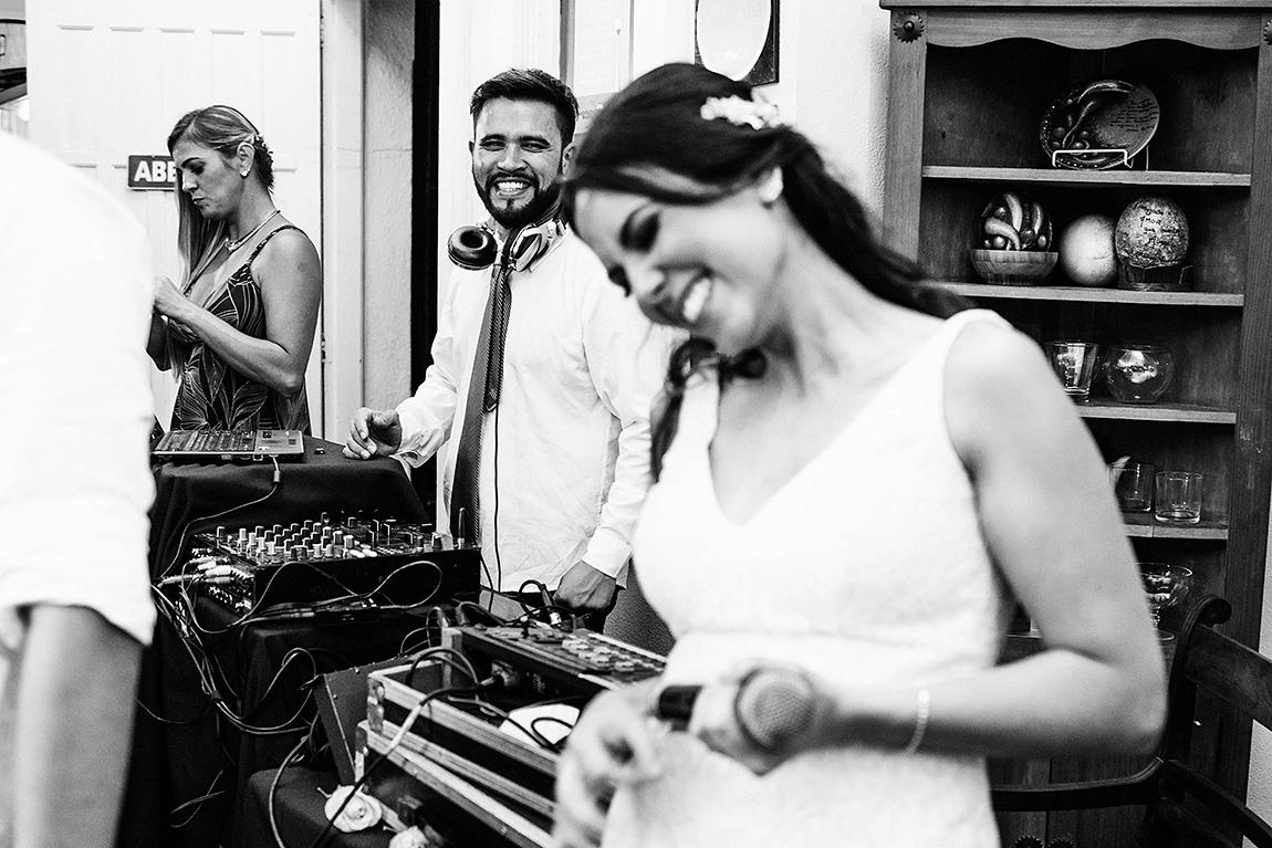 4-mariana-alves-fotografia-curitiba-casamento-cafe-quintana-juliana-augusto- (339)