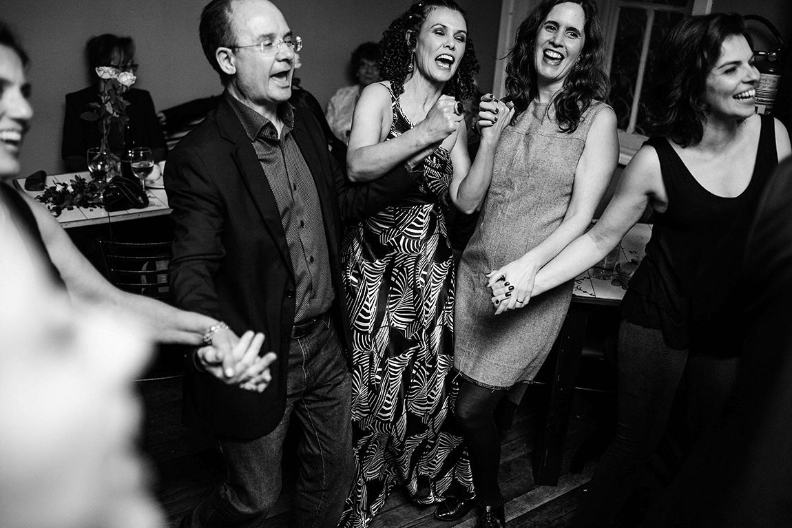 mariana-alves-fotografia-curitiba-casamento-bar-ornitorrinco-vilma-aguiar-kosta (360)