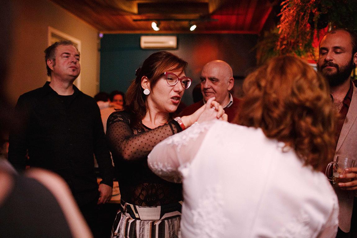 mariana-alves-fotografia-curitiba-casamento-bar-ornitorrinco-vilma-aguiar-kosta (422)